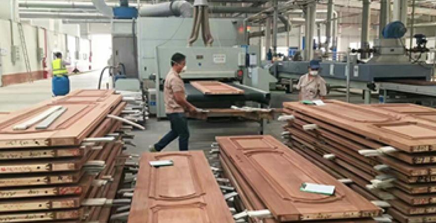 Dây chuyền sản xuất cửa