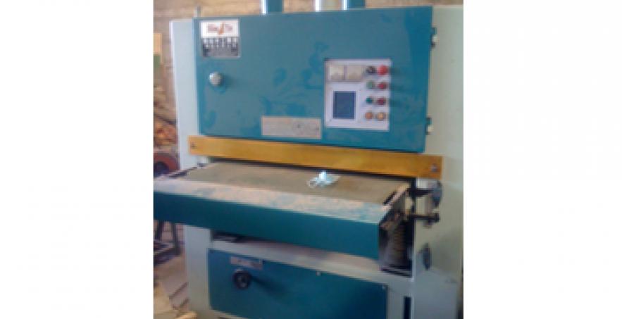 Máy chà nhám sơn (có sẵn)